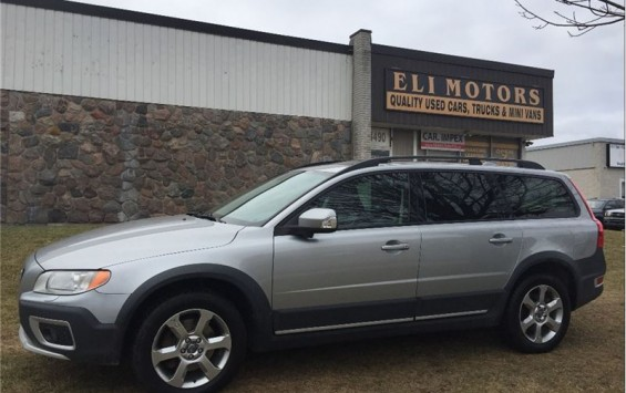 Pre-Owned 2008 Volvo XC70 AWD